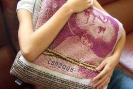 普通年轻人攒钱能改变现状吗?